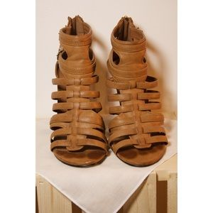 Express Gladiator Wedge